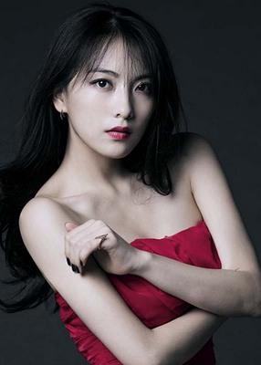 Jiyoung 001-2.jpg